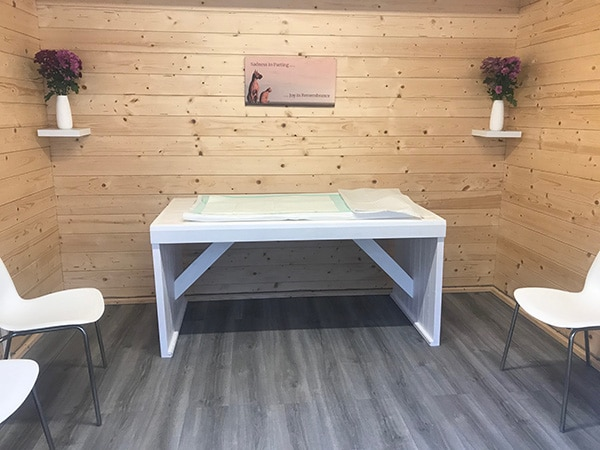 Pet Reception Table